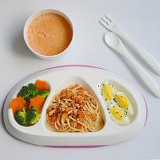 茄汁肉沫意面+胡萝卜西兰花