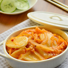 辣白菜炖年糕