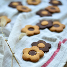 花朵双色饼干