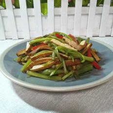 野芹菜炒香干的做法