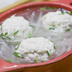 白萝卜豆腐丸子汤