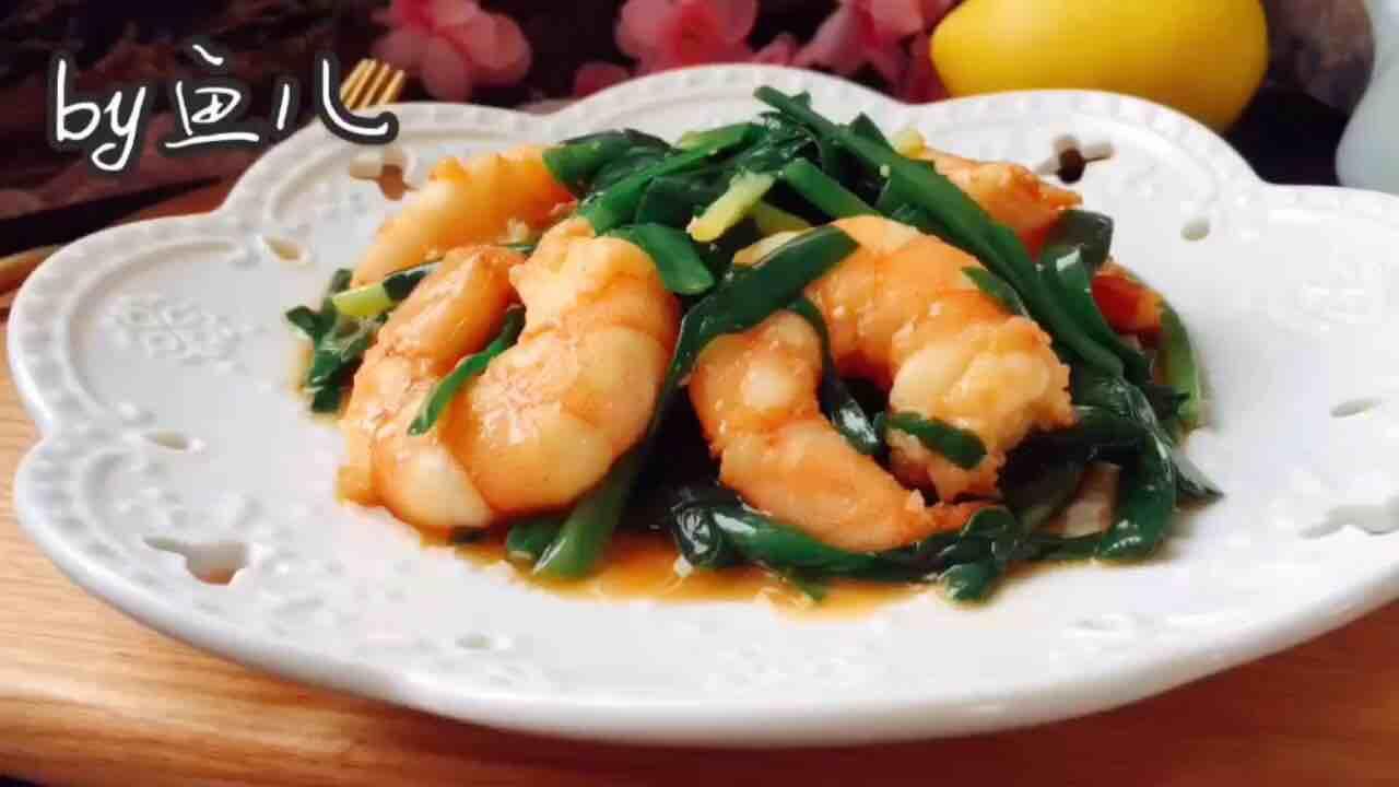 虾仁和它一起炒,味道鲜美,做法简单,厨房小白也能做的好!