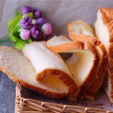 面包机版鸡蛋牛奶吐司