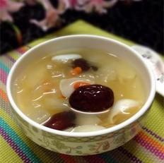 银耳雪梨百合汤