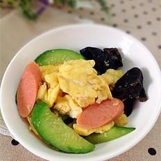 黄瓜火腿肠炒鸡蛋