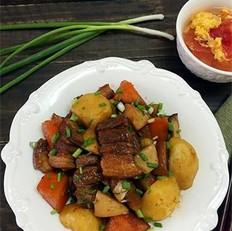 杏鲍菇土豆红烧肉