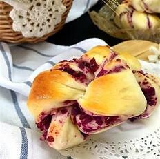 紫薯果仁麻花卷