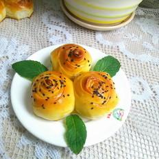 淡奶油花朵面包