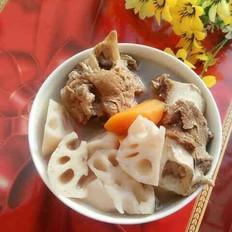 莲藕胡萝卜筒骨汤