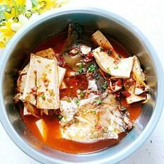 麻辣鱼头豆腐煲