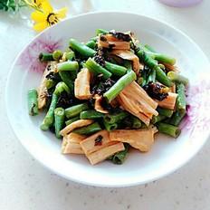 梅干菜腐竹烩豆角