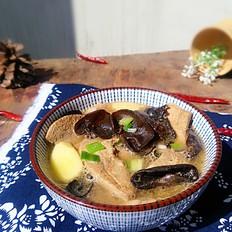 木耳猪肝汤