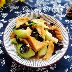 上海青木耳烩油豆腐