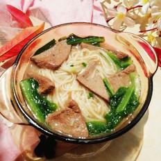 莴笋叶猪肝汤面