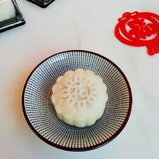 莲蓉冰皮月饼