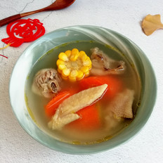 胡萝卜玉米炖鸡汤