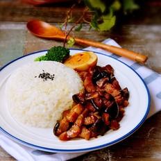 香菇卤肉饭