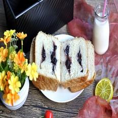 蓝莓果酱吐司