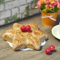 葱香咸味花朵面包