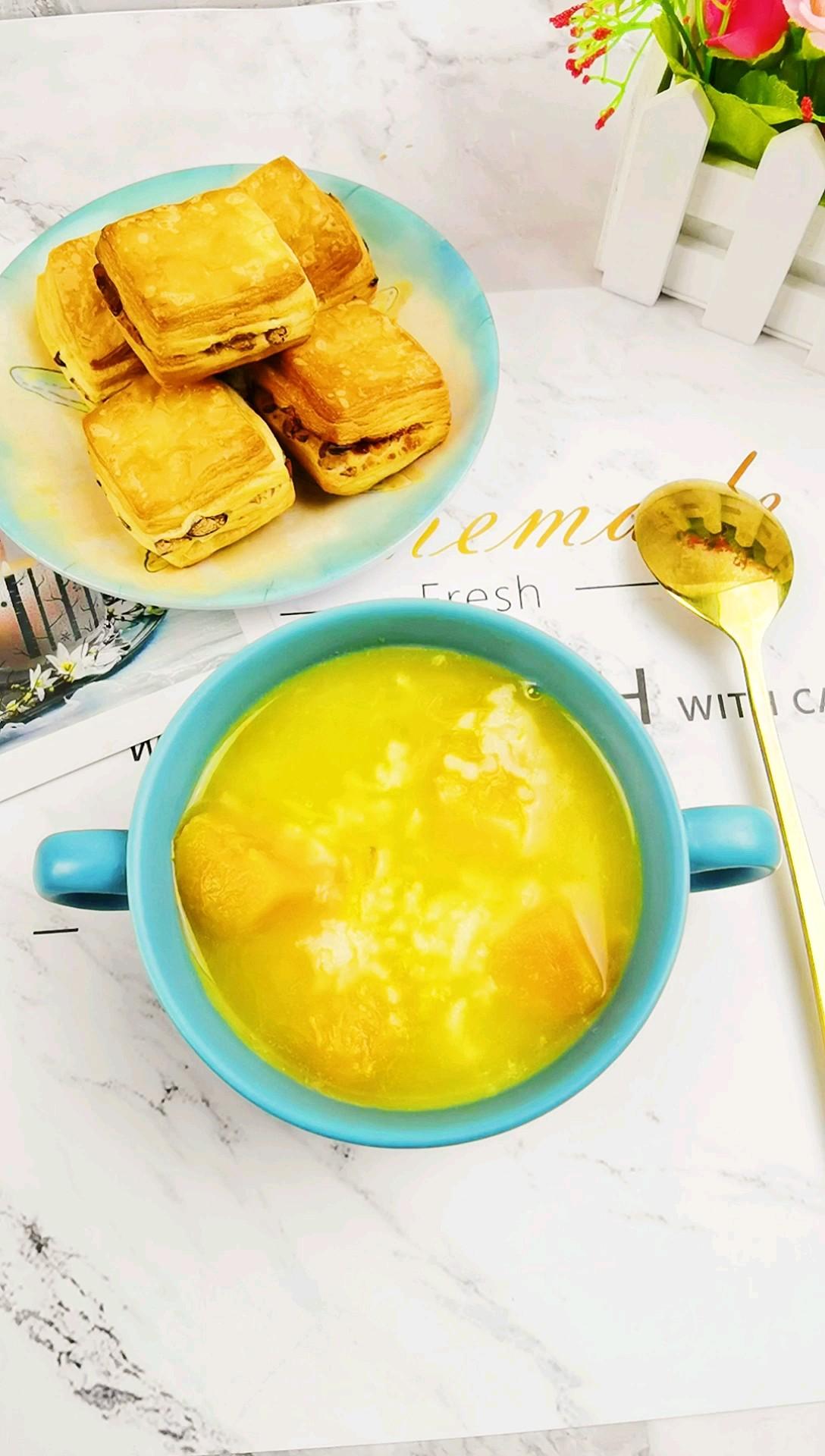秋日养生粥-南瓜红薯粥,金灿灿甜滋滋,让人食欲满满