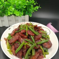 蒜苔炒腊肠