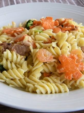 海鲜蔬菜酱炒意面的做法