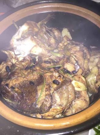 黄豆鲶鱼煲的做法