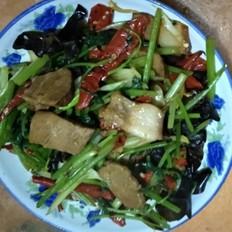 茴香肉炒芹菜