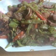 梅豆角炒猪头肉