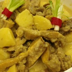 咖喱牛腩焖薯仔