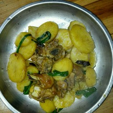 鸡腿炆土豆