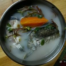 马齿苋煲鱼尾
