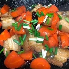 胡萝卜烧五花肉