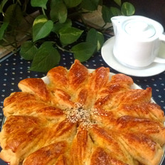 椰蓉太阳花大面包