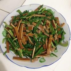 韭菜肉沫炒香干
