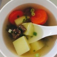 牛肉土豆胡萝卜汤