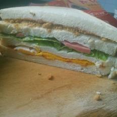 鸡蛋肉松火腿三明治