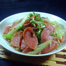 芹菜炒肉肠