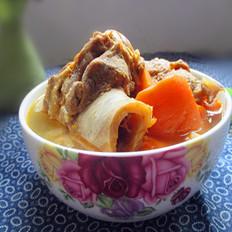 红萝卜煲腊骨