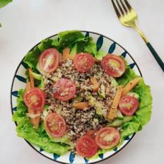 藜麦杂菜沙拉