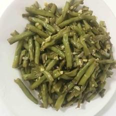 蒜香油焖豇豆