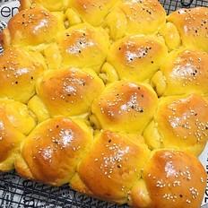 南瓜椰蓉面包卷