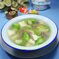 咸瘦肉丝瓜豆腐汤