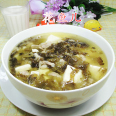猪肉酸菜豆腐汤