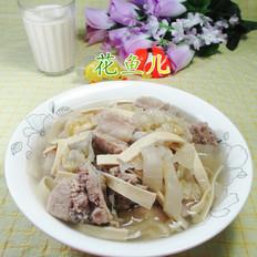 千张酸菜排骨汤