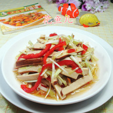 红椒韭菜芽炒鸡蛋干