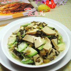 咸菜西葫芦炒素鸡