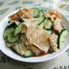黄瓜与蛋白肉
