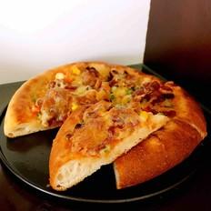 杂蔬腊肠披萨