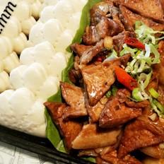 荷叶饼夹油豆腐五花肉